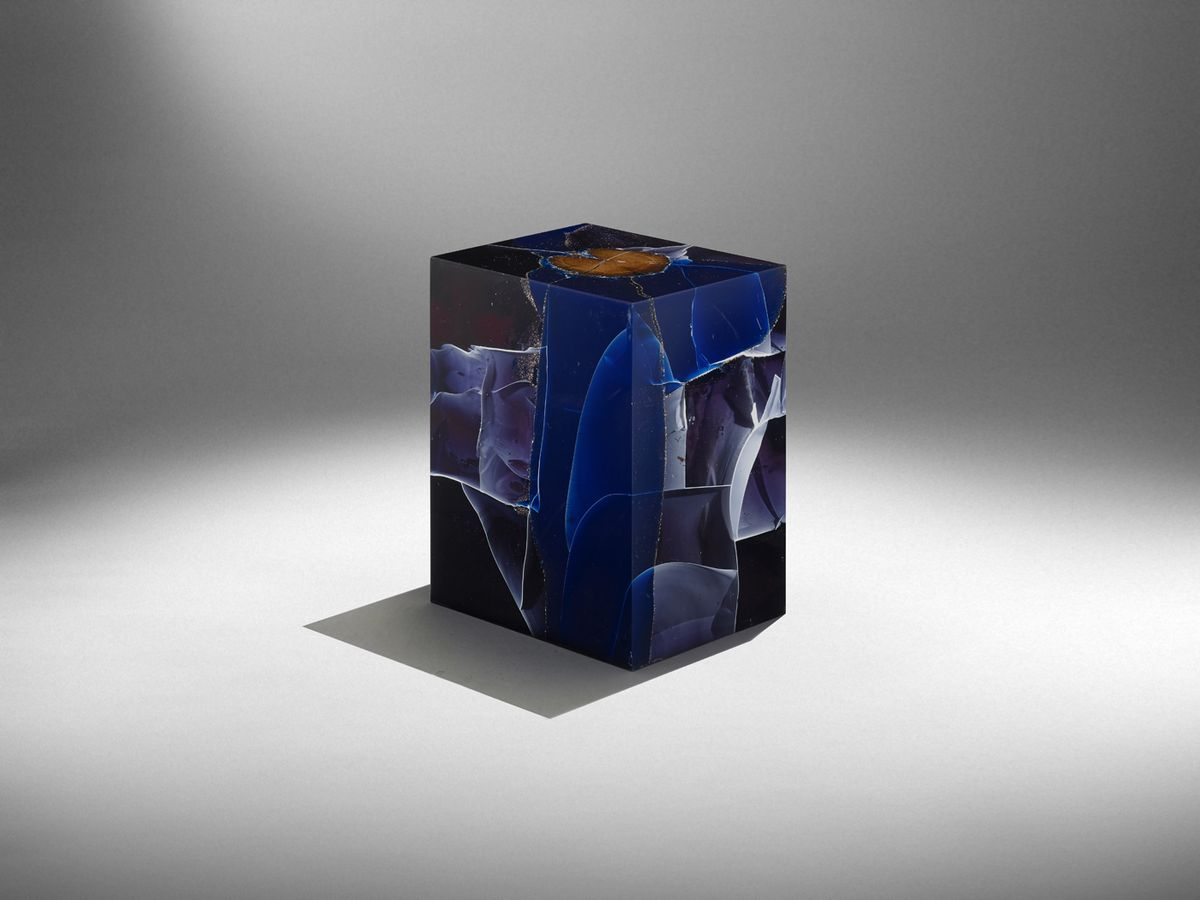 Resin Furniture Forever Encapsulates Beauty In Extraordinary ...
