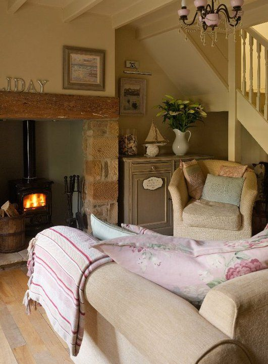 235 best living room images on pinterest living room living room ideas and lounges - Living In A Small Cottage