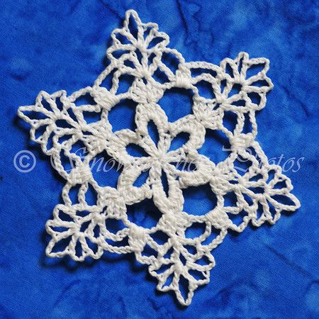 62 best Uncinetto Natale images on Pinterest   Crochet snowflakes ...