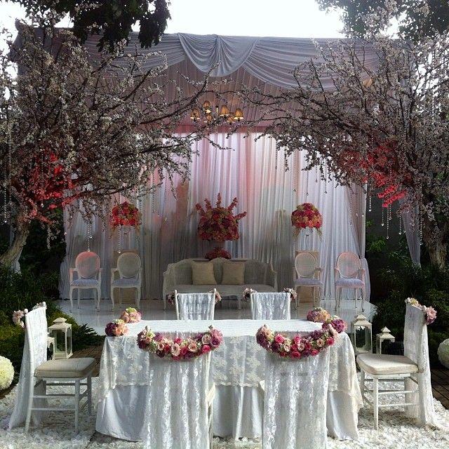 8 best wedding outdoor stages images on pinterest wedding decor dekor pelaminan di rumah penelusuran google junglespirit Gallery