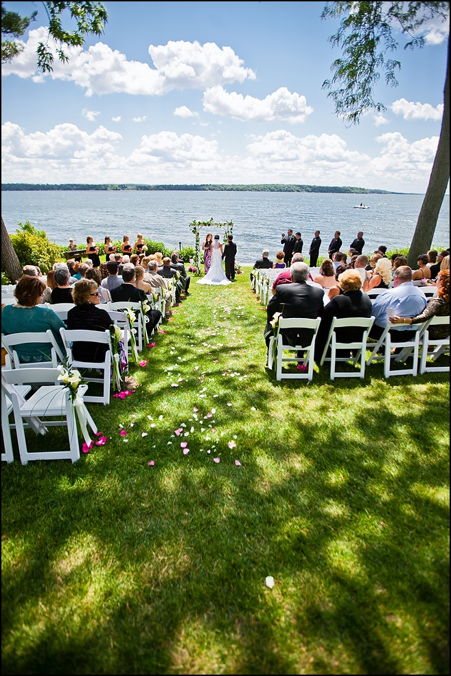 wedding locations in southern californiinexpensive%0A Wedding photography in Green Lake  Wisconsin at the Heidel House Resort