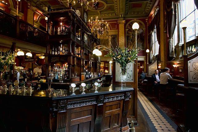 124 best CAFE BISTRO PUB DECOR images on Pinterest Restaurant