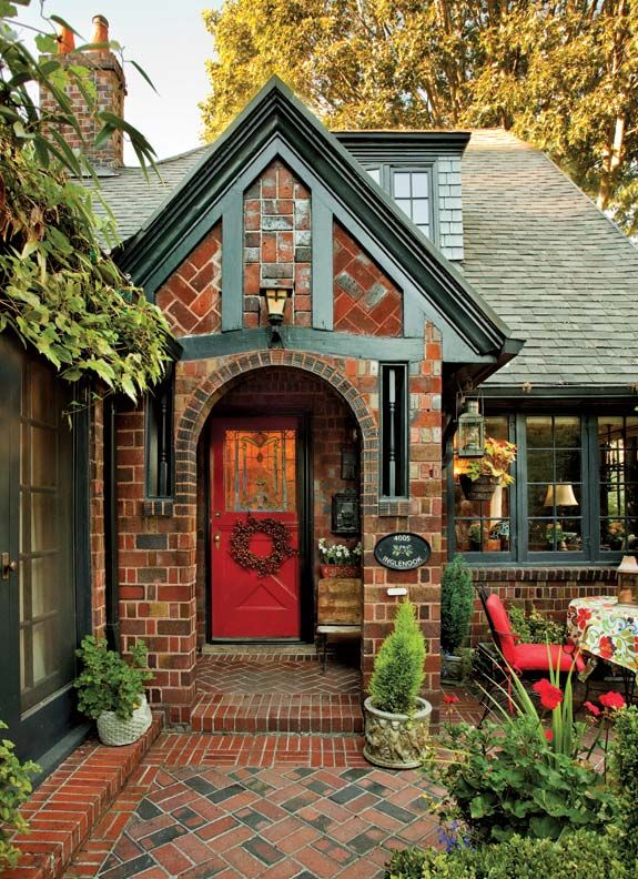 197 best tudor house images on pinterest homes stained glass